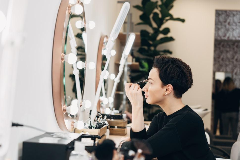 Usnadnění v každodenním make-upu- led zrcadlo