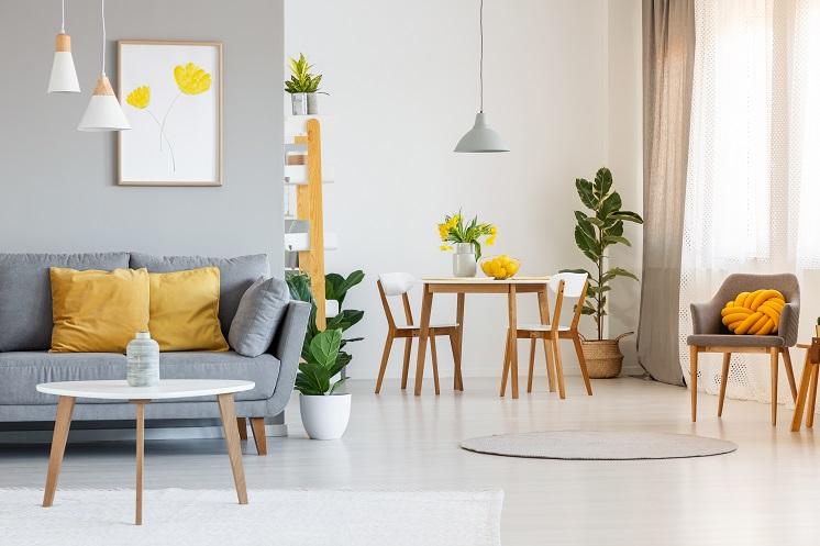 Světlý interiér - vybíráme doplňky, které osvětlí místnost