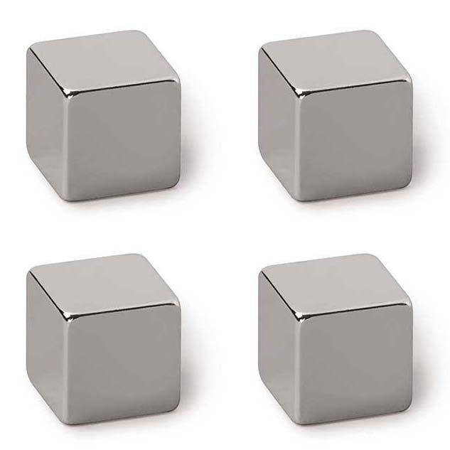 Příslušenství: magnety, fixky