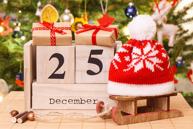 date-25-december-on-calendar-gifts-with-sled-and-P38BL79