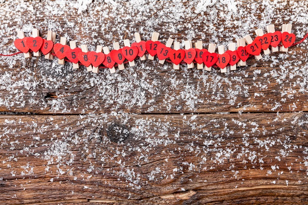 christmas-advent-calendar-with-snow-P3BPDQ4