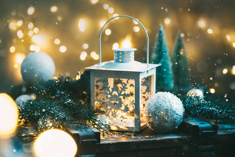 christmas-background-with-festive-decoration-S4ZGL3K