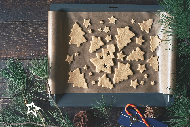christmas-cookies-on-the-baking-tray-with-PB32BHR