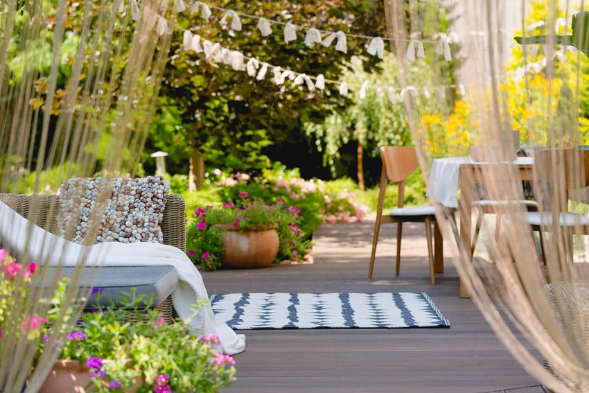 jak-vybavit-zahradu-zahradnim-nabytkem