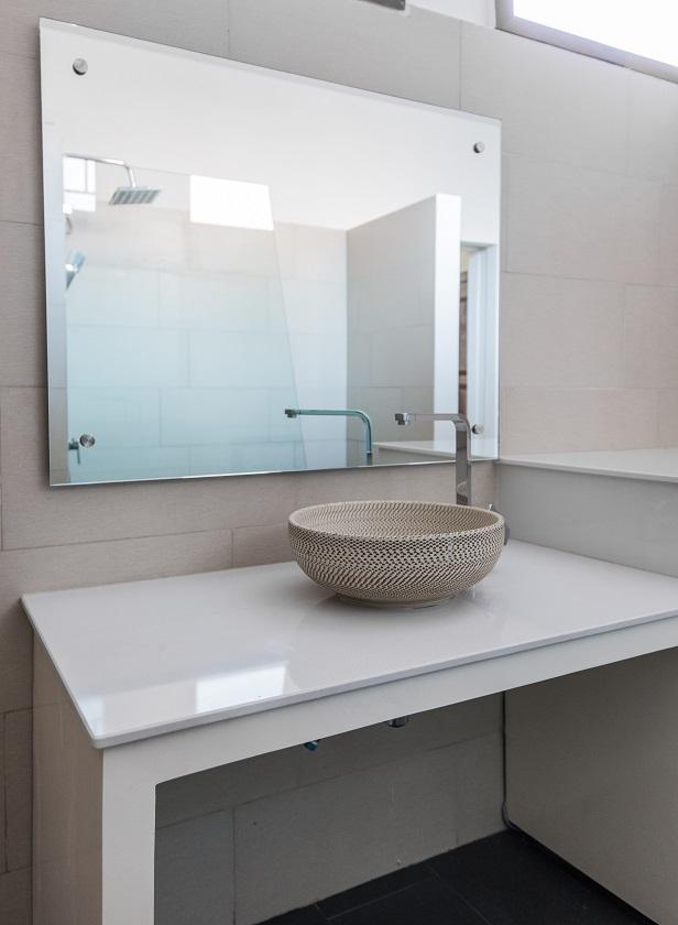modern-sink-in-the-bathroom-PGTZQF4