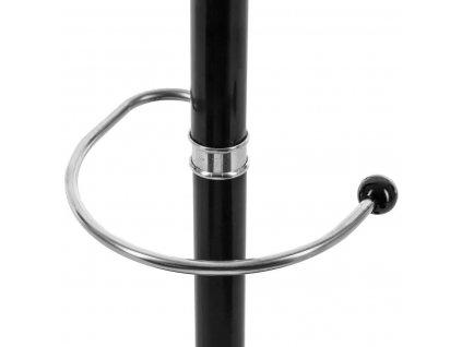 Černý kovový věšák na chodbu, věšák  na oblečení, vybavený stojanem pro deštníky