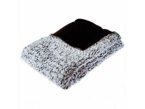 Oboustranný heboučký přehoz na postel, který vzimě příjemně zahřeje