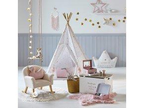 Kobereček ve tvaru hvězdy – měkoučká podlahová dekorace do dětského pokoje