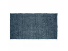 Koberec modré barvy z bavlněného jednoduchého úpletu – skvělý doplněk interiéru