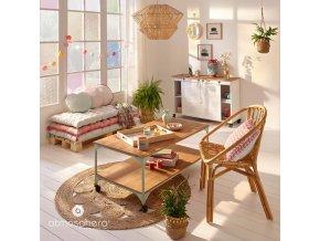 Květinová výzdoba, třešňový květ, skleněná váza, růžový květ