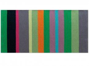 Pletený koberec s proužky, univerzální dekorativní doplněk do předsíně