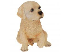 Věrně reprodukuje každý detail figurku psa z poliresingu, dekorativní figurku pro domácnost nebo zahradu