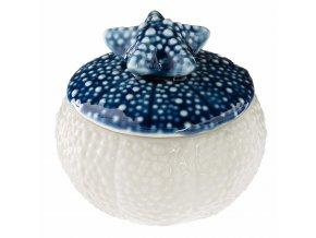 Bílá dekorativní svíčka s motiv mořského skořápky s hvězdice, 58g