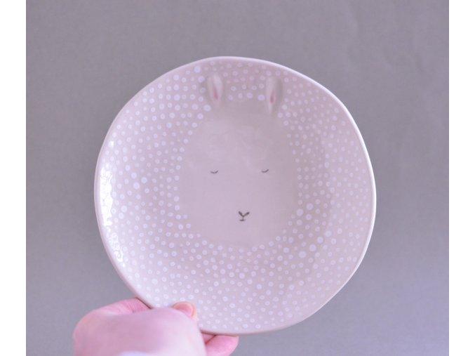Dezertní talíř 17cm - s bílým králíkem, co má plastická ouška