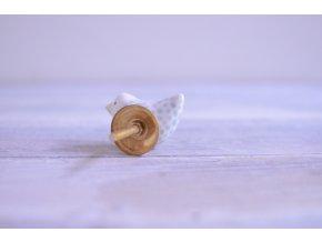 Úchytka - Ptáček koukající vpravo