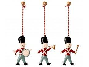 ornaments guards