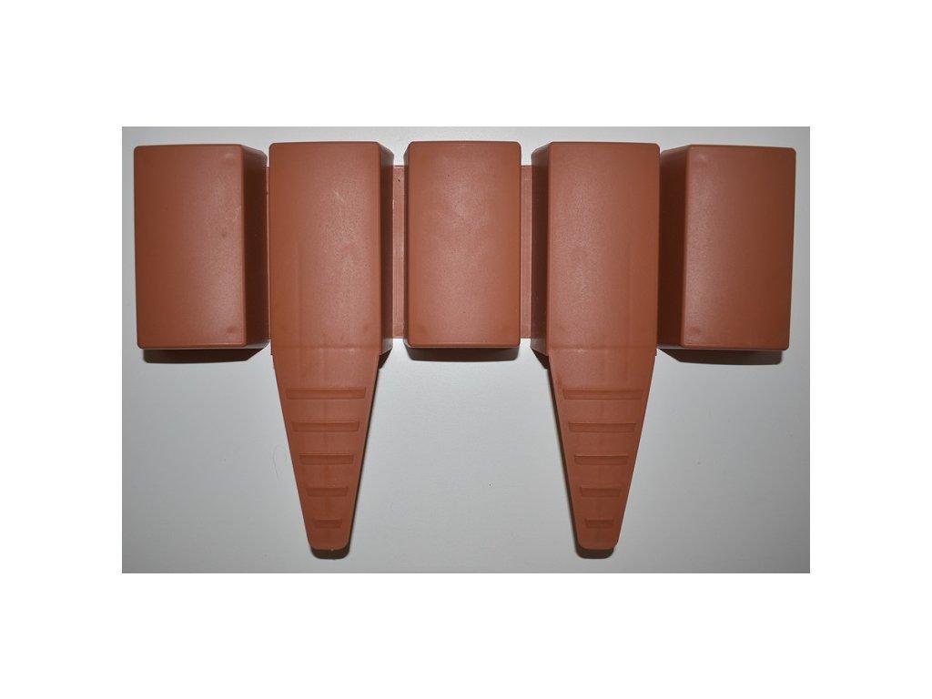 Zahradní plastová palisáda hranatá 3,2 m - barva terakota