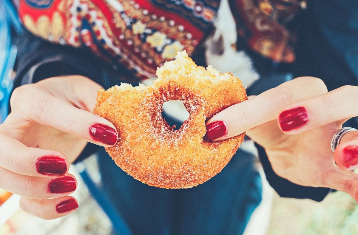 Jak působí cukr na naši pokožku?