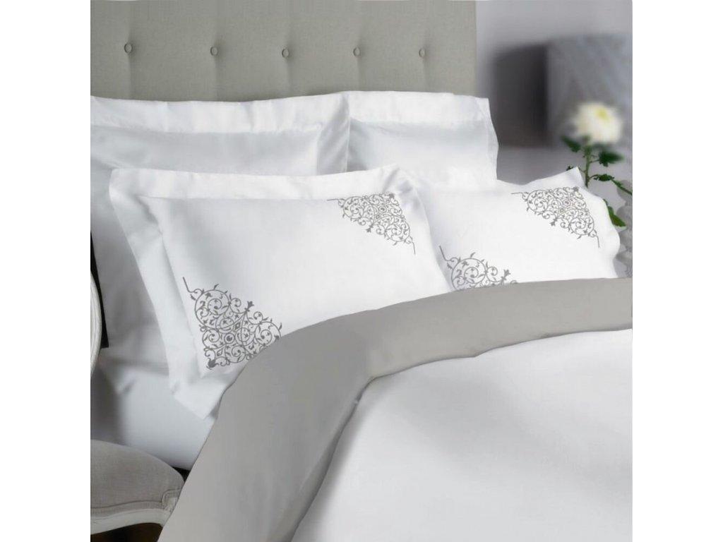 obliečky v sivo bielej kombinácii s vyšivkou