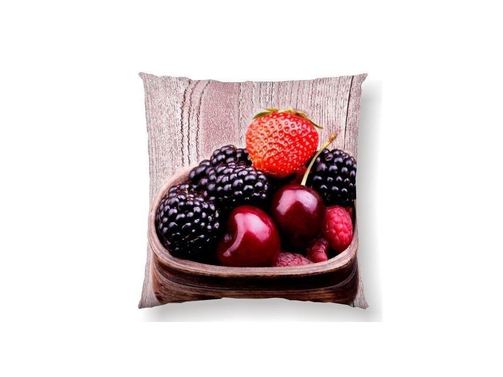 ovocia jahody, maliny na vankúši