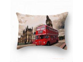 dekoračný vankúš Red Bus