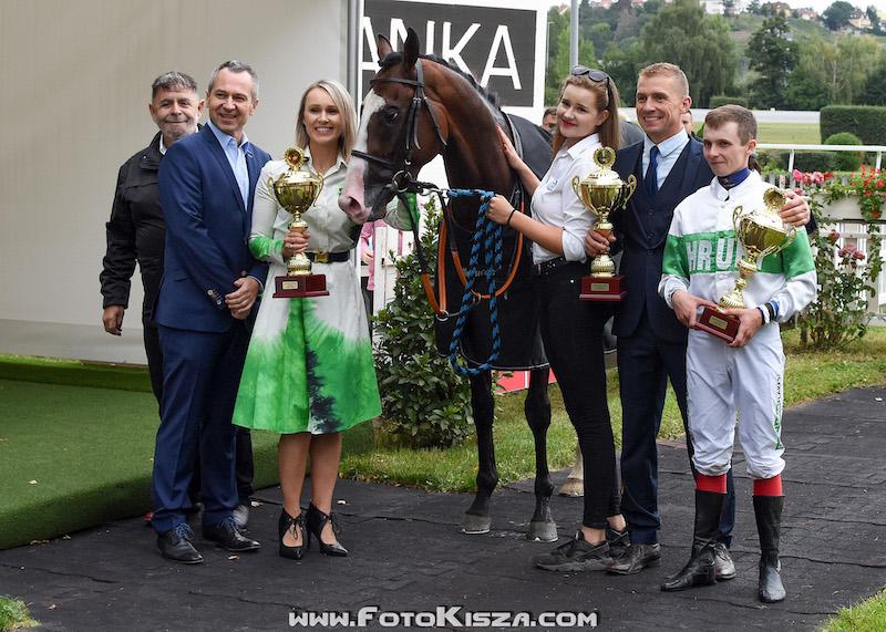 Vítězný kůň Ramssio zaběhl 4. nejrychlejší čas v historii St. Legeru