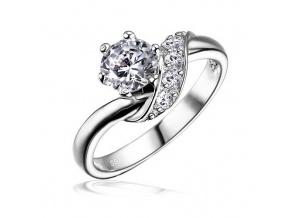 Stříbrný decentní prstýnek se Swarovski Zirconia 5mm