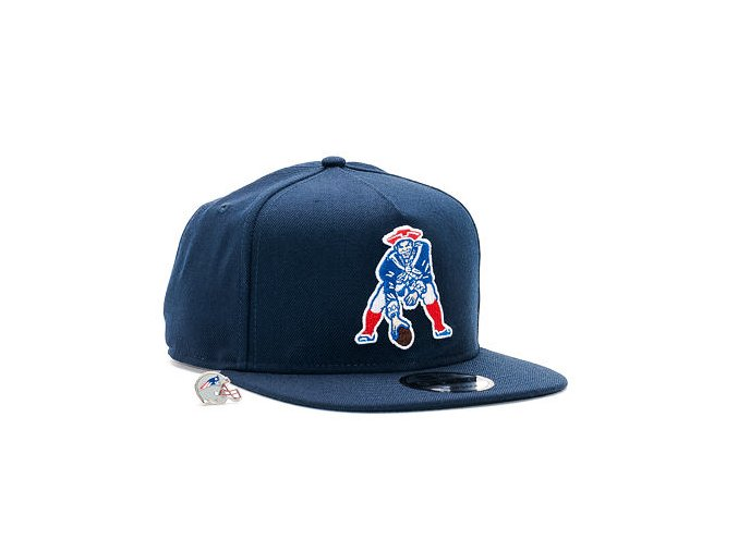 Kšiltovka New Era Character Pin New England Patriots 9FIFTY Official Team Colors Snapback