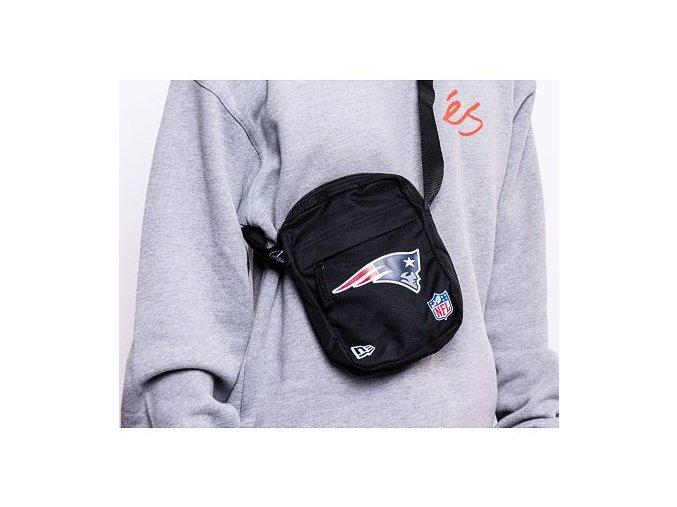 Taška NEW ERA NFL Side Bag New Engand Patriots