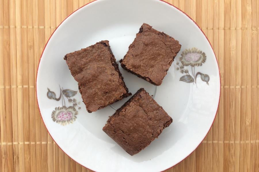 Křehké a vláčné brownies