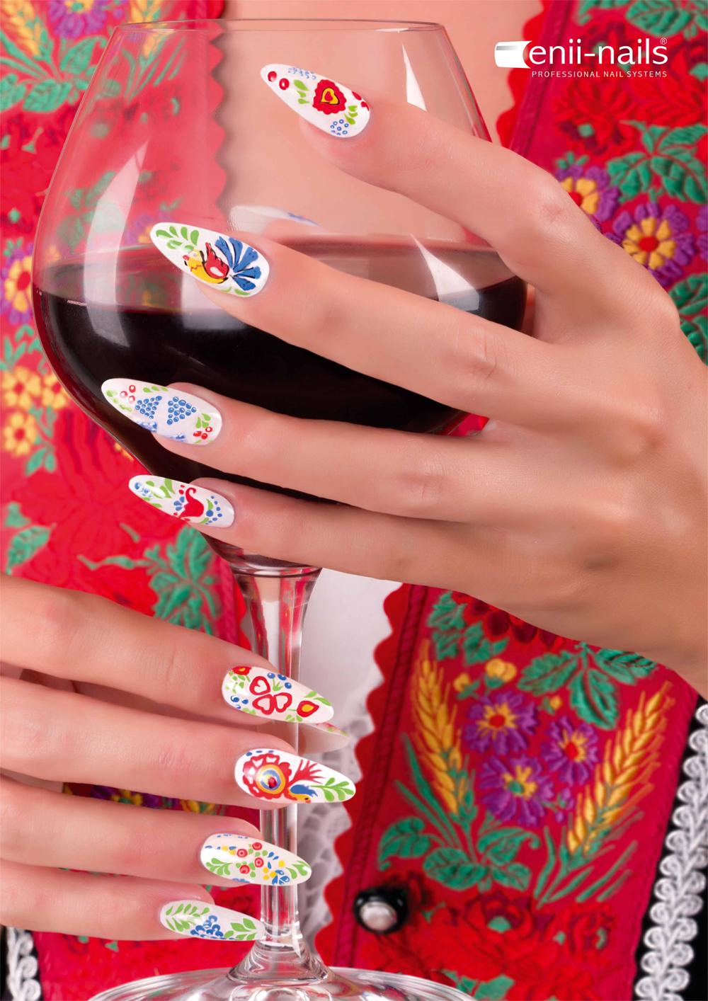 ENII-NAILS Nail Art I. babyboomer, ombré, tenké linie, salonní zdobení, malba barevnými gely Hodonín: 29.06.2020