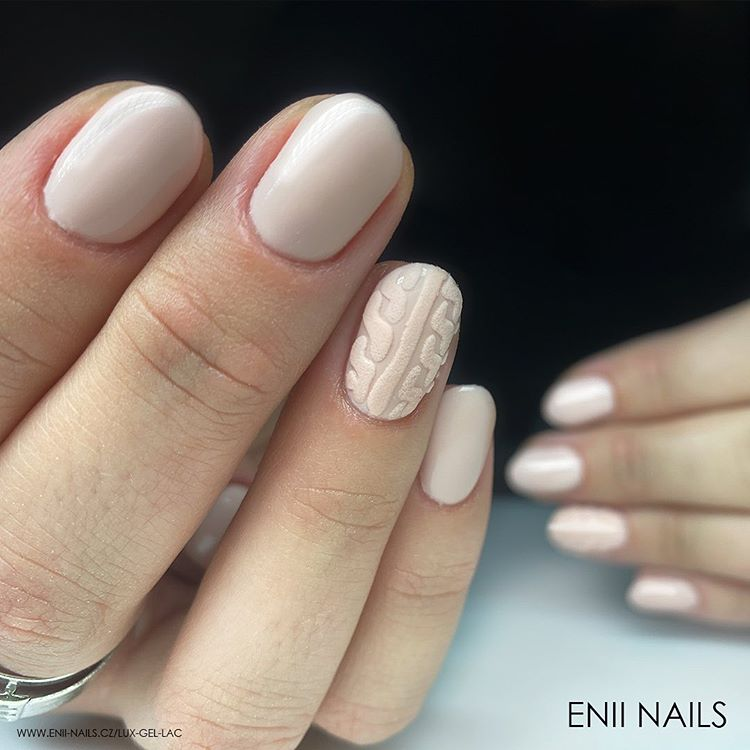 Screenshot_2020-03-23 Enii_nails_official ( enii_nails_official) • Fotky a videa na Instagramu