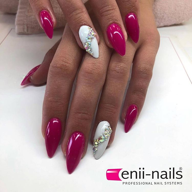 Screenshot_2020-03-25 Enii_nails_official ( enii_nails_official) • Fotky a videa na Instagramu(11)
