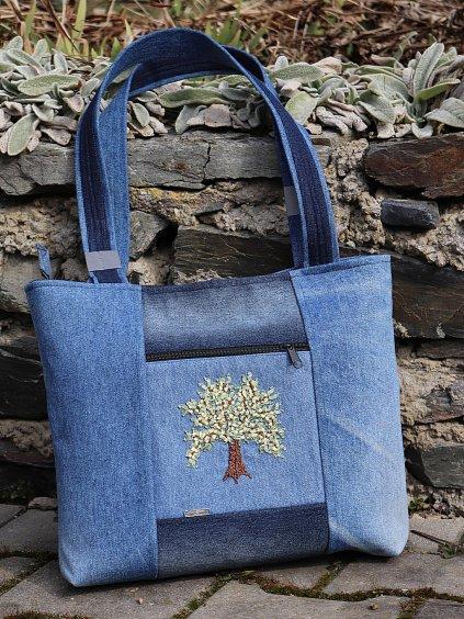 kabelka handmade vysivka strom