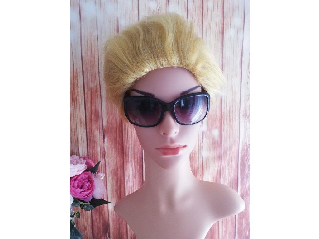 Krátká blond cosplay paruka