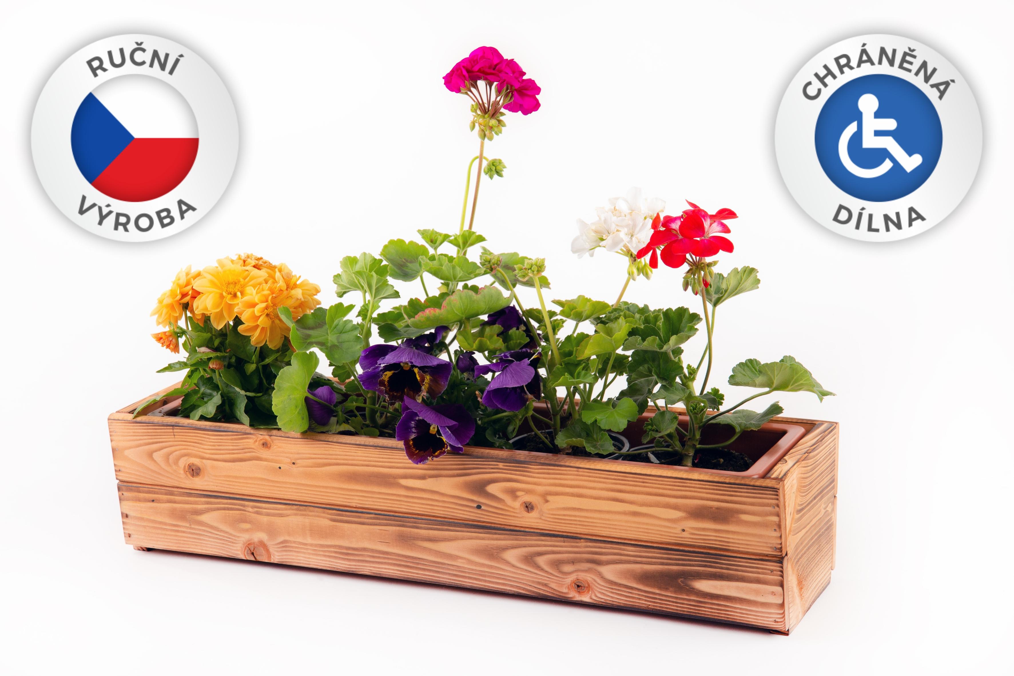 Samozavlažovací dřevěné truhlíky z naší chráněné dílny