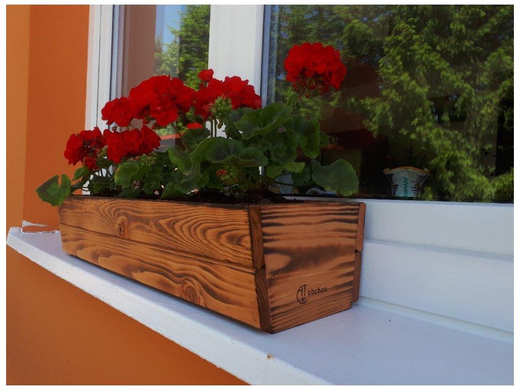 Dřevěný truhlík se samozavlažovací vložkou