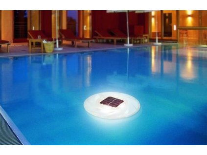 solární světlo do bazénu 1