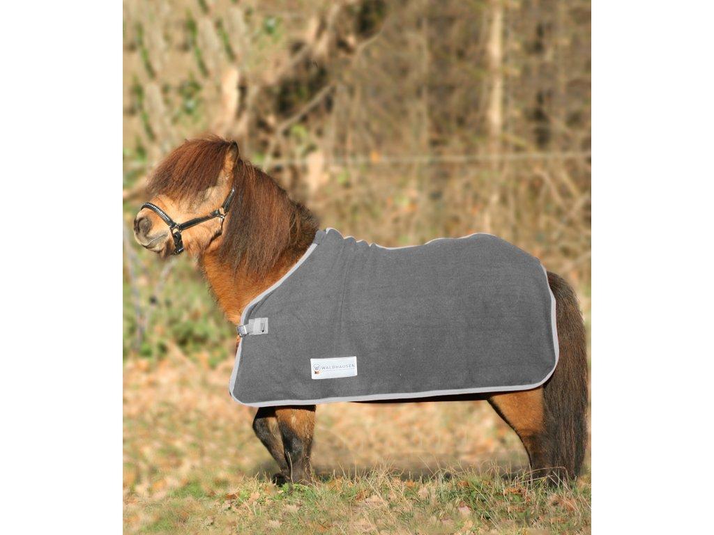 Odpocovací deka fleecová Economic Waldhausen grey 135cm