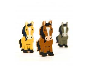 379 gumy na gumovani tri kone ve staji