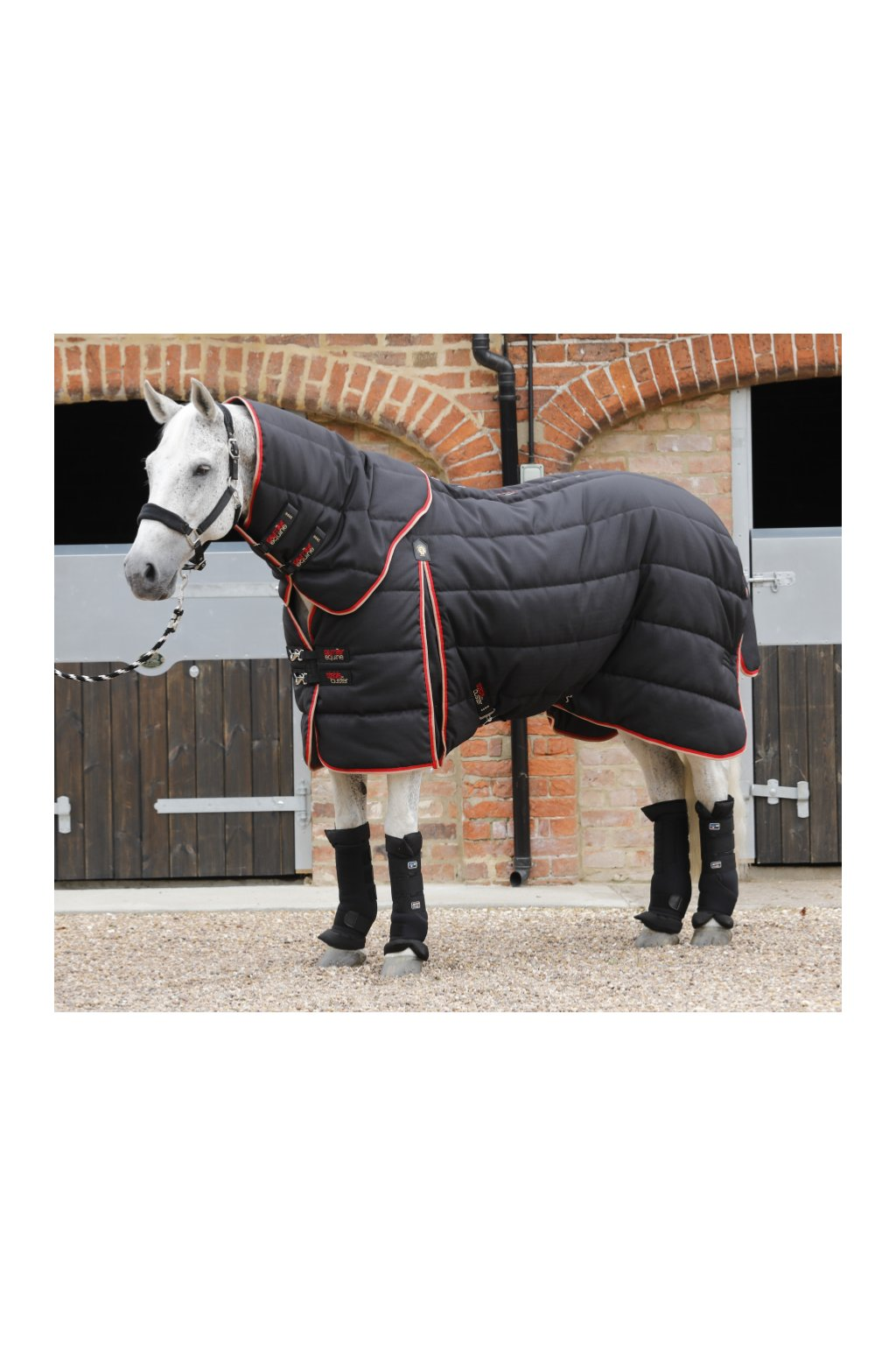 Stable Buster 400g Black Main Image 900x775 zoom