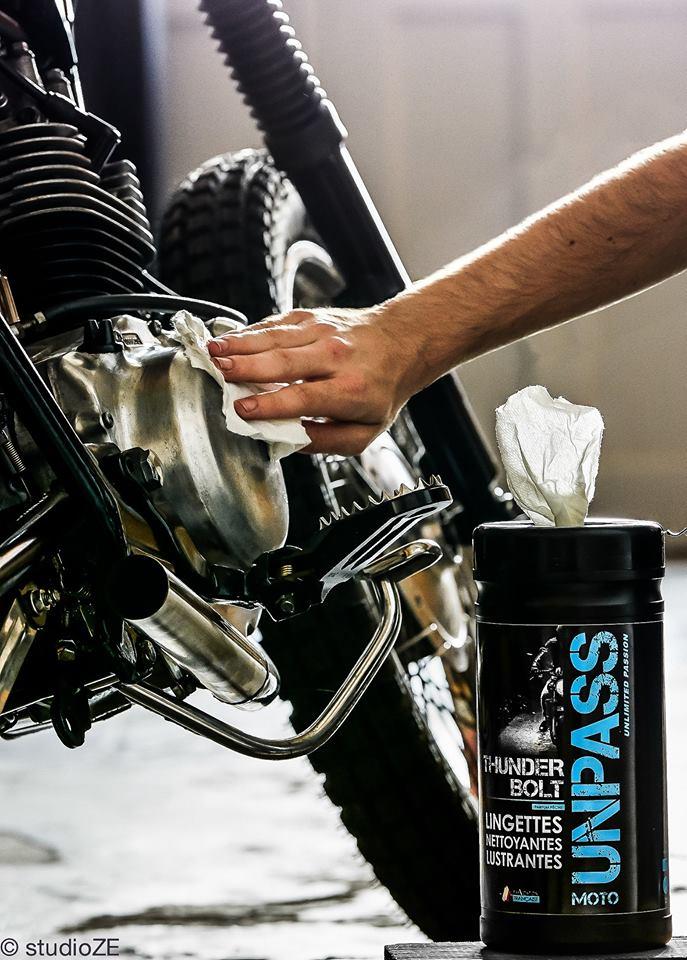 Mytí motocyklu prostředky UNPASS, ukázka