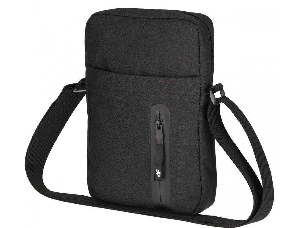 Sportovní taška 4F TRU060 Deep black černá