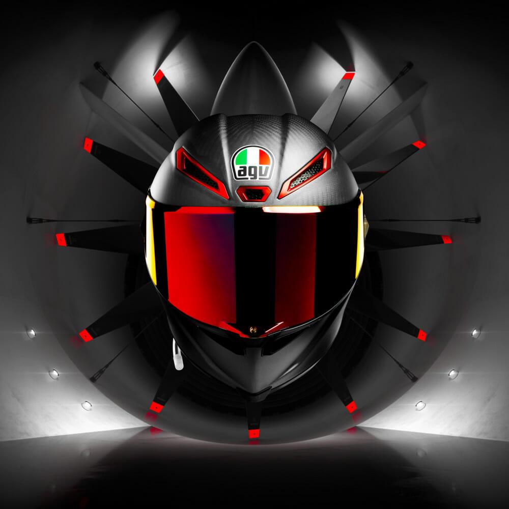 Nové prilby AGV PISTA GP RR