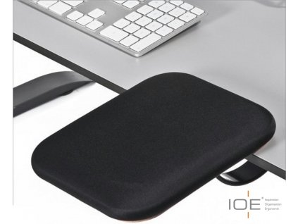 ioe-mobilni-podlozka-pod-pazi-cerna--100490