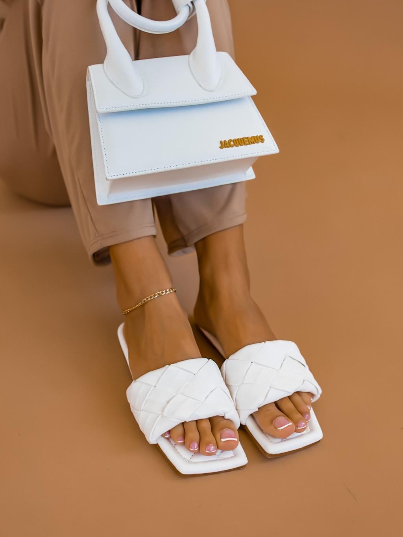 Bílé proplétané pantofle AFTER