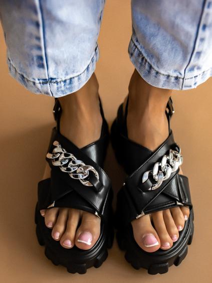 Černé sandálky na platformě s řetízkem NANCY