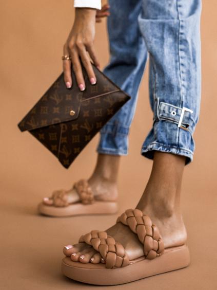 Béžové pantofle se zapletenými řemínky BRAID