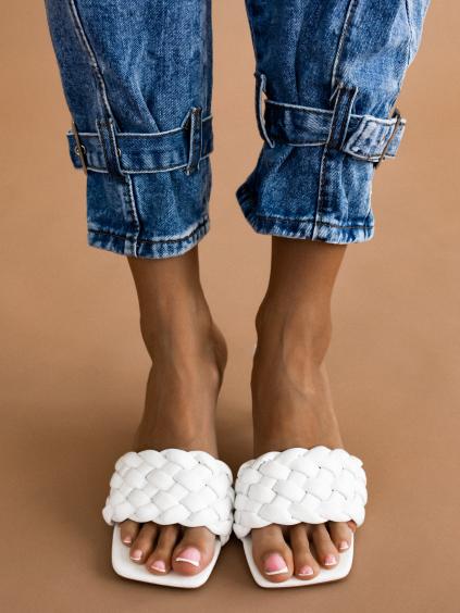 Bílé zapletené boty na podpatku CYBELE