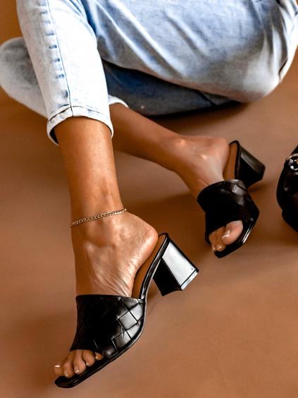 Černé boty na silném podpatku Wilson